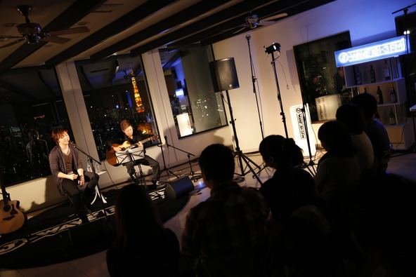 11月21日(木)@「J-WAVE BAR」 (okmusic UP\'s)