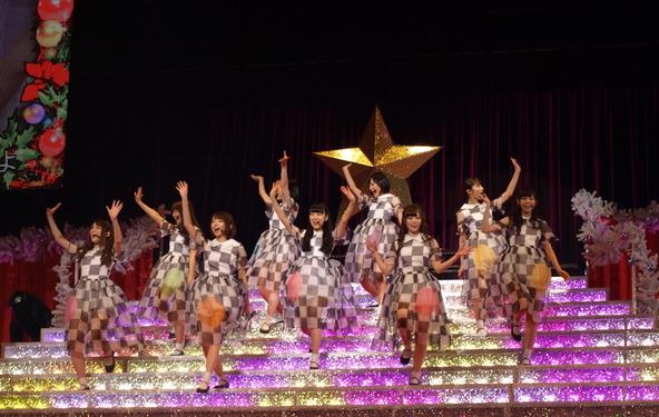乃木坂46@日本武道館ワンマライブ『Merry X'mas Show 2013』の模様(1) (okmusic UP\'s)