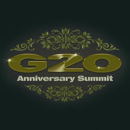 「G20 Anniversary Summit」ロゴ (okmusic UP\'s)
