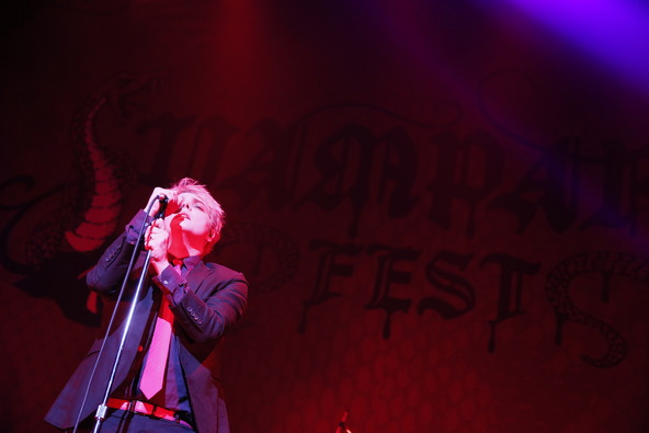 2月18日@「VAMPARK FEST」(Gerard Way) (okmusic UP's)