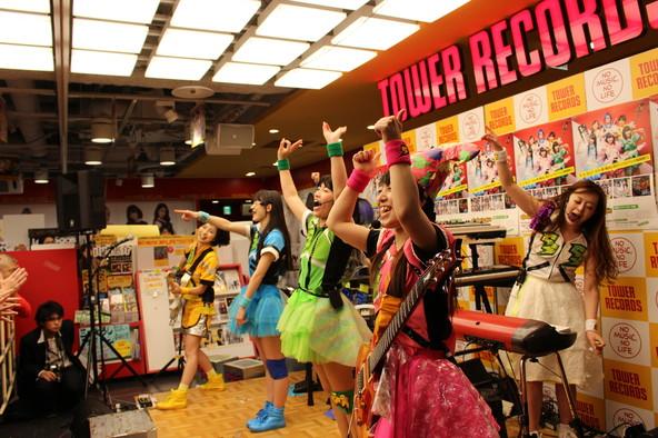 2月25日@タワーレコード渋谷店 (okmusic UP's)