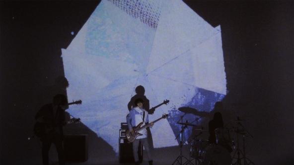 「ホワイトレインコートマン」MV (okmusic UP\'s)