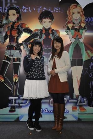 映画『エンダーのゲーム』コミケ85前売り券のお渡し会に参加した佐藤聡美さん(左)、白石涼子さん (okmusic UP\'s)