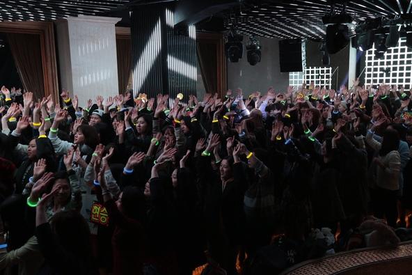 3月16日に行なわれた リリックビデオ撮影会にファン300名が参加し (okmusic UP's)