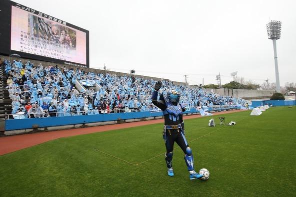 4月5日(日)に行われた横浜FC vs ジュビロ磐田の公式戦前のイベントに登場した「蹴球リベラー」 (okmusic UP's)