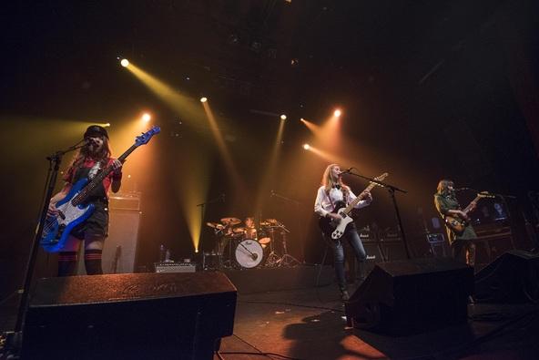 4月25日(日本時間の26日)、フランス・パリより海外公演がスタート! (okmusic UP's)