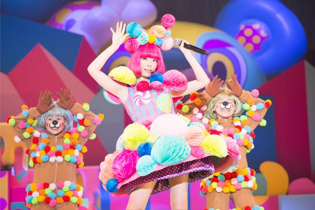 『KPP 2014 JAPAN ARENA TOURきゃりーぱみゅぱみゅのからふるぱにっくTOY BOX』より
