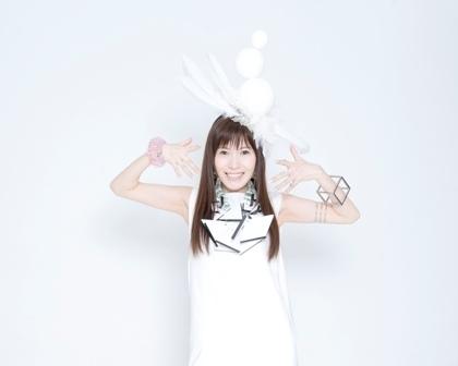 本日5月20日にニューアルバムをリリースしたCeui (C)TEAM Entertainment Inc.