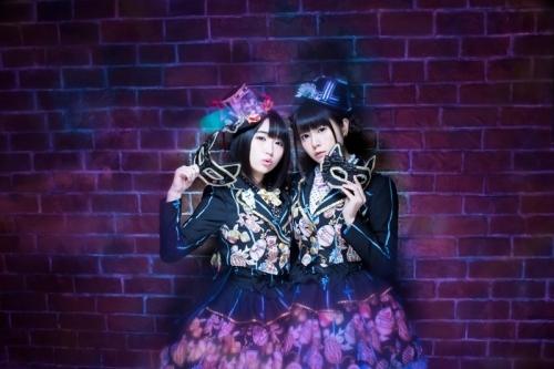 """初の大型イベントを開催する""""petit milady""""の悠木碧(写真左)と竹達彩奈"""