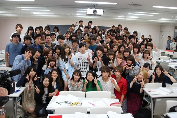 6月22日、ニコルが日本工学院専門学校にサプライズ訪問 (okmusic UP\'s)