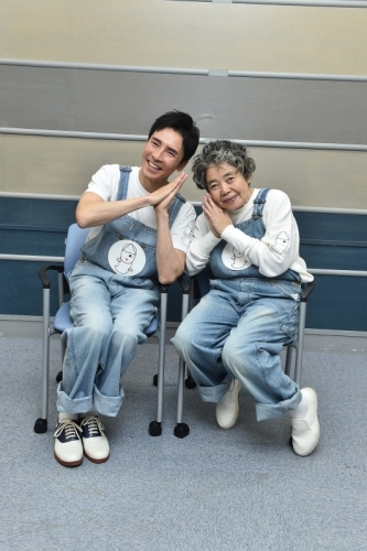 『ムー』『ムー一族』で共演した郷ひろみ&樹木希林が36年ぶりにデュエット披露 (C)TBS