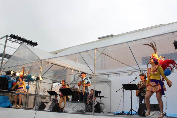 7月5日@レイクタウンアウトレット1階R駐車場野外特設ステージ (okmusic UP's)