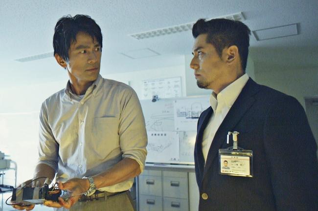 映画「天空の蜂」出演の江口洋介と本木雅弘 (c)(C)2015「天空の蜂」製作委員会