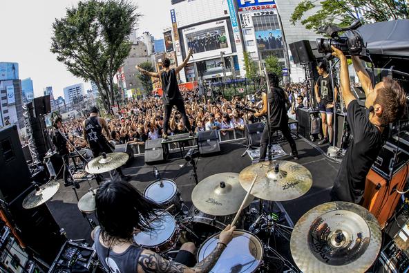 8月1日@東京・新宿ステーションスクエア (okmusic UP's)