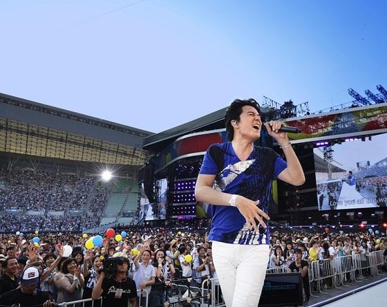 8月1日・2日@大阪・ヤンマースタジアム長居 (okmusic UP's)