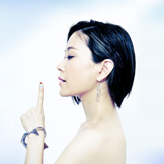 8月19日にミニアルバム『small world』をリリースする森恵