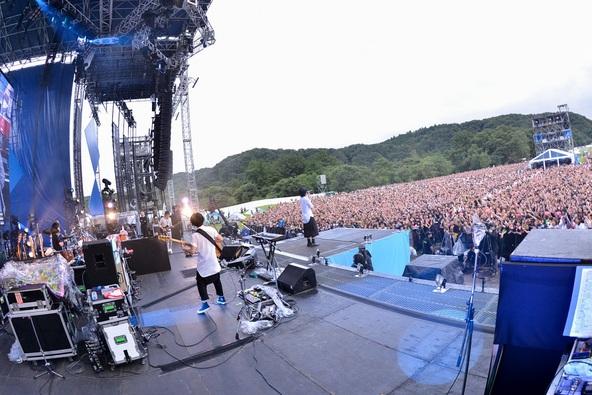 RADWIMPS 野外 LIVE 2013「青とメメメ」 (okmusic UP\'s)