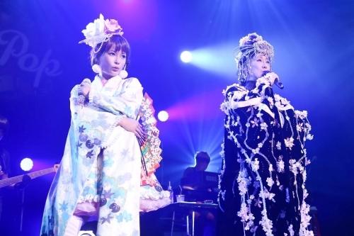 """""""ラスボス""""小林幸子と「無限∞ブランノワール」でコラボステージを披露した""""しょこたん""""こと中川翔子"""