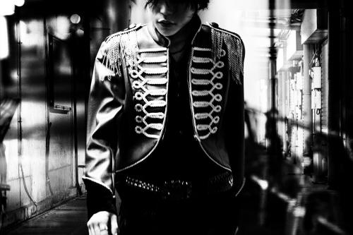 本日10月28日にニューシングル「Bull's Eye」をリリースしたナノ