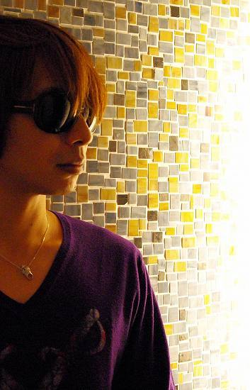 DJ Deckstreaの新名義Rahzeが【iTune】チャートでまたもや1位 (c)ListenJapan
