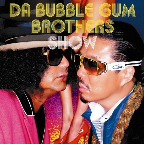 バブルガムブラザーズの『DA BUBBLEGUM BROTHERS SHOW〜多力本願〜』ジャケット。足は道端アンジェリカ (c)Listen Japan