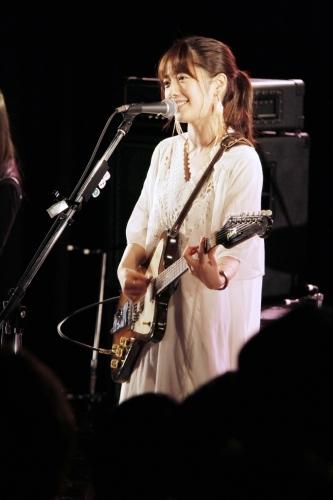 初のワンマンライブを渋谷TSUTAYA O-nestにて開催した瀧川ありさ