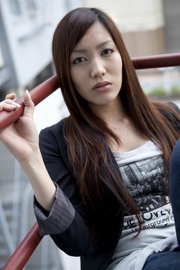 舞台での初主演を経て、アーティストとして更なる成長を遂げた中村 中 (c)Listen Japan