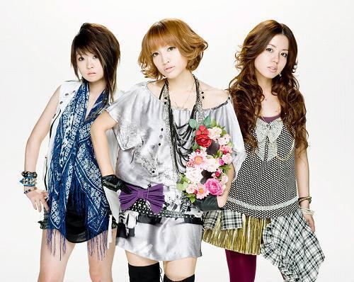 BLiSTARとしてメジャー・デビューを果たす元THE PINK☆PANDAのMAYU、RINA、NANA-A (c)Listen Japan