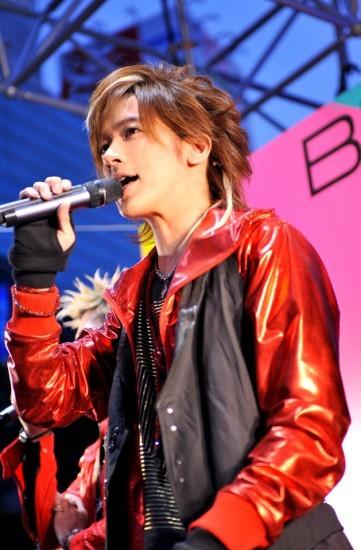 """BREAKERZ、新曲リリースイベントで""""うぃっしゅ""""に次ぐ新ポーズ披露 (c)Listen Japan"""