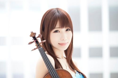 「電波諜報局」にゲスト出演、ヴァイオリン生演奏を披露する石川綾子