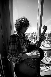 映画『ゴールデンスランバー』で初の映画音楽監督に挑戦した斉藤和義 (c)Listen Japan
