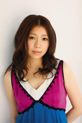 「おおかみかくし」エンディングテーマを担当することが決定した南里侑香 (c)ListenJapan
