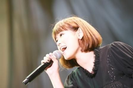 活動休止前最後のワンマンライヴ「MTV Unplugged」を行った絢香 (c)Listen Japan