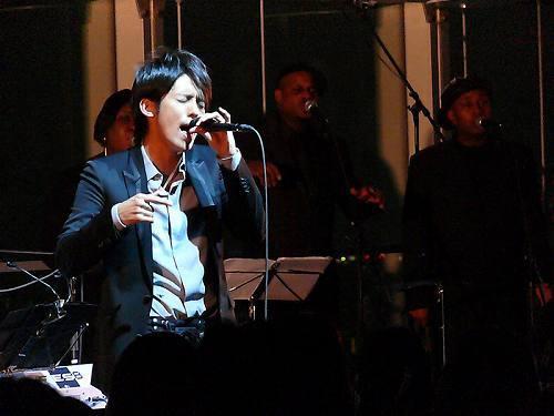 六本木ヒルズ大展望台でライヴいベントを開催したK (c)Listen Japan