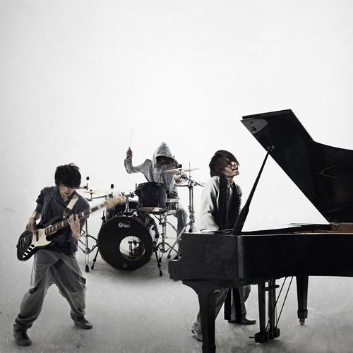 来年2月にデビューミニ・アルバムをリリースするWEAVER (c)Listen Japan