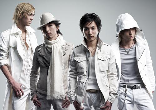 2ndシングル「雪道」をリリースする+Plus (c)Listen Japan