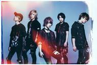 L→R shinpei(Dr)、Chiyu(Ba)、武瑠(Vo)、masato(Gu)、yuji(Gu) (okmusic UP's)