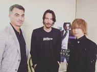 キアヌ・リーブスとチャド・スタエルスキー、SuG 武瑠との激レアなスリーショット (okmusic UP's)