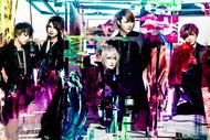L→R まゆ(Gu)、Rei(Ba)、夕霧(Vo)、風弥~Kazami~(Dr&Piano)、なお(Gu) (okmusic UP's)