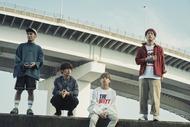 L→R RYU-TA(Gu&Cho)、KOUHEI(Dr&Cho)、GEN(Vo&Ba)、HIROKAZ(Gu) (okmusic UP's)