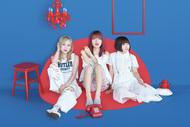 L→R 石渡マキコ(Ba)、北澤ゆうほ(Vo&Gu)、大貫みく(Dr) (okmusic UP's)