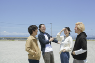 L→R 笈川 司(Gu)、旭 司(Ba)、すずきゆきこ(Vo&Gu)、ヤマダヨウイチ(Dr) (okmusic UP's)