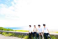 L→R 花房(Ba)、あきやまさる(Vo&Gu)、あきら(Dr&Cho)、アンドリュー(Key) (okmusic UP's)