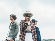 L→R 石原 聡(Ba)、松本素生(Vo&Gu)、中澤寛規(Gu) (okmusic UP's)