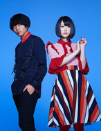 L→R 小島英也(Gu)、ぽん(Vo) (okmusic UP's)