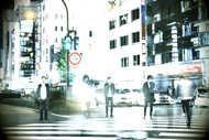 L→R 高橋 誠(Dr)、千野隆尋(Vo)、岡﨑広平(Gu)、伊丸岡亮太(Gu)、宇佐美友啓(Ba) (okmusic UP's)