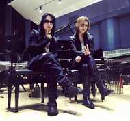 YOSHIKIがInstagramにアップしたHYDEとのツーショット (okmusic UP's)